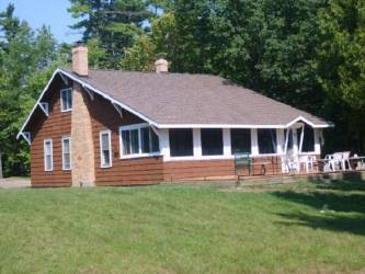 4833 E M35, Escanaba, Michigan 49829, 2 Bedrooms Bedrooms, ,1 BathroomBathrooms,Traditional Single Family,For Sale,M35,1119620