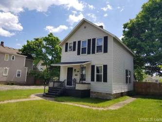 1317 1st Ave S, Escanaba, Michigan 49829, 3 Bedrooms Bedrooms, ,2 BathroomsBathrooms,Traditional Single Family,For Sale,1st Ave S,1121137