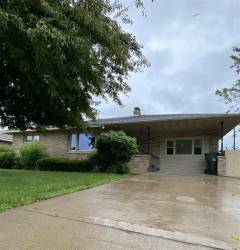 2205 S 6th Ave, Escanaba, Michigan 49829, 3 Bedrooms Bedrooms, ,1 BathroomBathrooms,Traditional Single Family,For Sale,6th,1121443