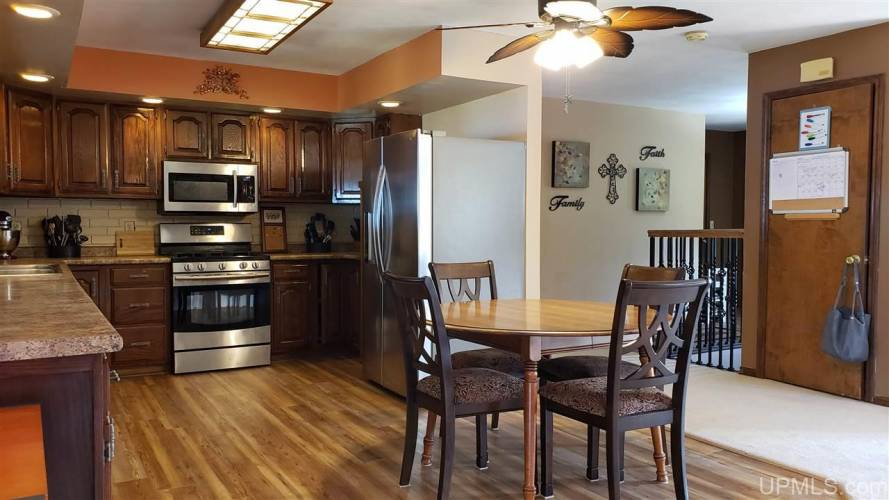 8138 Garth Point 25.25 Ln, Rapid River, Michigan 49878, 4 Bedrooms Bedrooms, ,2 BathroomsBathrooms,Traditional Single Family,For Sale,Garth Point 25.25,1123480